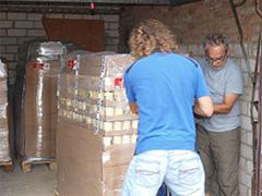 aw2 Tierhilfe helfen Ukraine Tierschutz-Shop Futter spenden