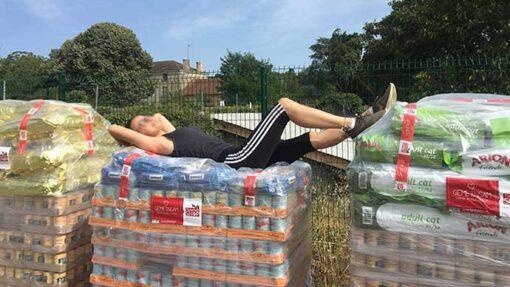 """Nach Spendenaktion """"Tödliches Sommerloch! Futter für die Vergessenen"""" 2018: Die Futterspenden kommen an."""