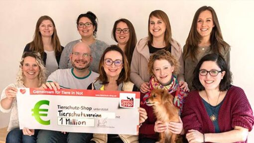 Das Team von Tierschutz-Shop hat eine Million Euro Geld-Prämie als finanzielle Hilfe für Tierschutzvereine gesammelt.