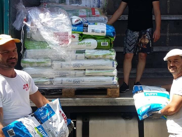 Pfotenengel mit Herz eV-Futterspendenankunft-juli-2019-WL-Griechenland1