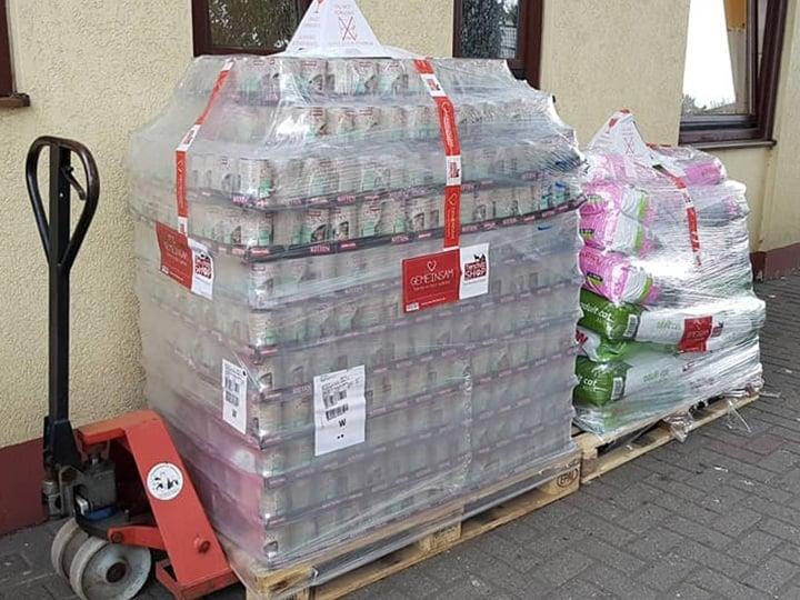 Tierheim Duisburg-Futterspendenankunft-juli-2019-NotfallWL-Deutschland2