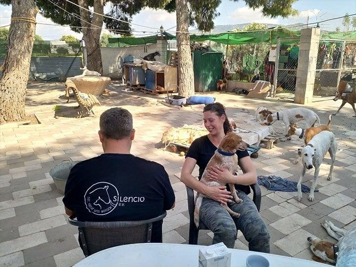 Silencio e.V.-Futterspendenankunft-september 2019-Spendenaktion-Sommerloch-Spanien(1)
