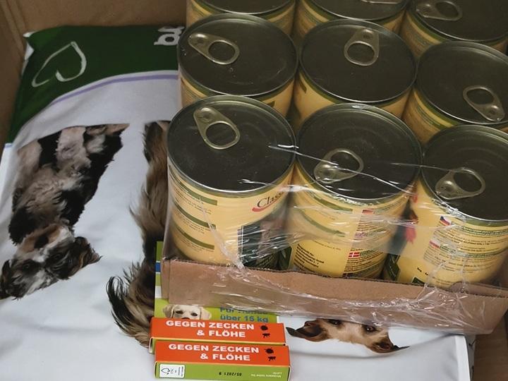 Hundenothilfe Frankreich e.V.-Futterspendenankunft-januar-2020-WL-Deutschland (1)
