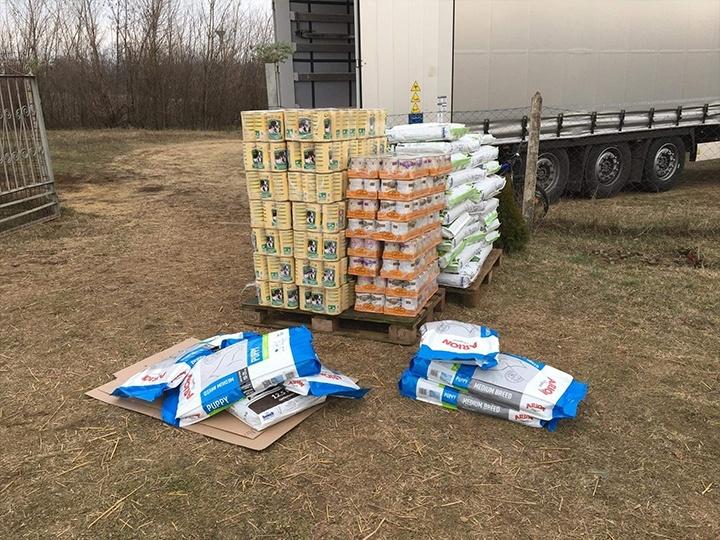 Step by Paw e.V.-Futterspendenankunft-januar-2020-WL-Ungarn (2)