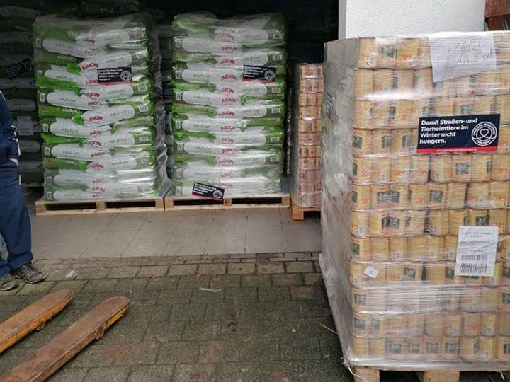 Katzenhilfe-Schmelz-e.V.-Futterspendenankunft-februar-2020-Spenden-Marathon-2019-Deutschland (3)