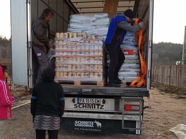 Tierhilfe Lebenswert e.V.-Futterspendenankunft-februar-2020-WL-Rumänien (2)