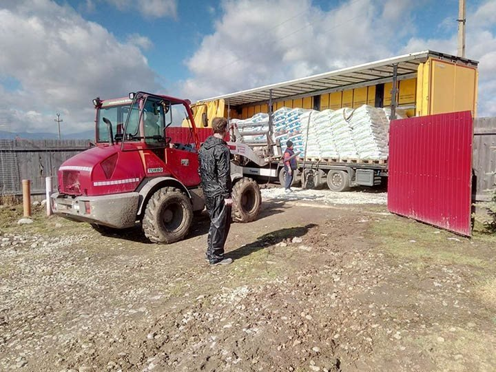 Initiative Karpatenstreuner e.V.-Futterspendenankunft-maerz-2020-THdM Januar 2020-Rumänien (2)