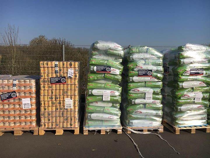 Fellkinder in Not e.V.-Futterspendenankunft-april-2020-Spenden-Marathon-2019-Deutschland (3)