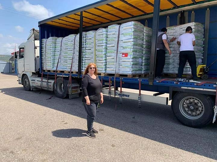 Stray Paws Deutschland e.V.-Futterspendenankunft-april-2020-Spenden-Marathon-2019-Griechenland (2)