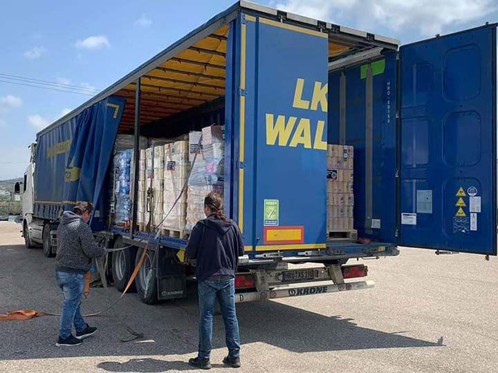 Stray Paws Deutschland e.V.-Futterspendenankunft-april-2020-Spenden-Marathon-2019-Griechenland (4)