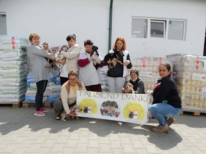 Tierhilfe Hoffnung e.V.-Futterspendenankunft-april-2020-WL-Rumänien (2)