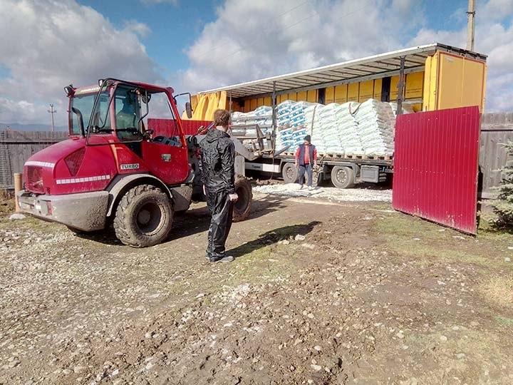 Initiative Karpatenstreuner e.V.-Futterspendenankunft-THdM Januar 2020-Rumänien-3