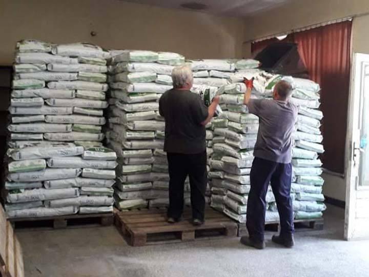 Pfotenfreunde Bulgarien e.V.-Futterspendenankunft-THdM Oktober-Bulgarien-3